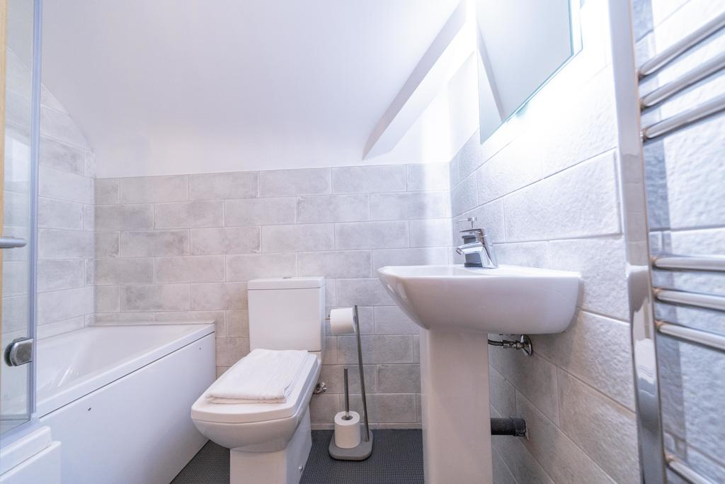 Serviced-Apartments-Oxford---Windmill-Road-Apartments-Near-St-Stephen's-House---Urban-Stay-3