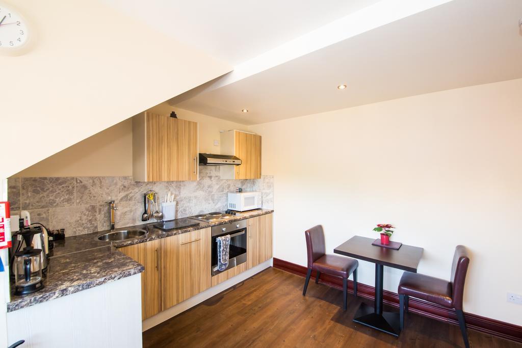 Sheffield-Serviced-Accommodation---Hillsborough-Apartments-Near-Sheffield-Railway-Station---Urban-Stay-11