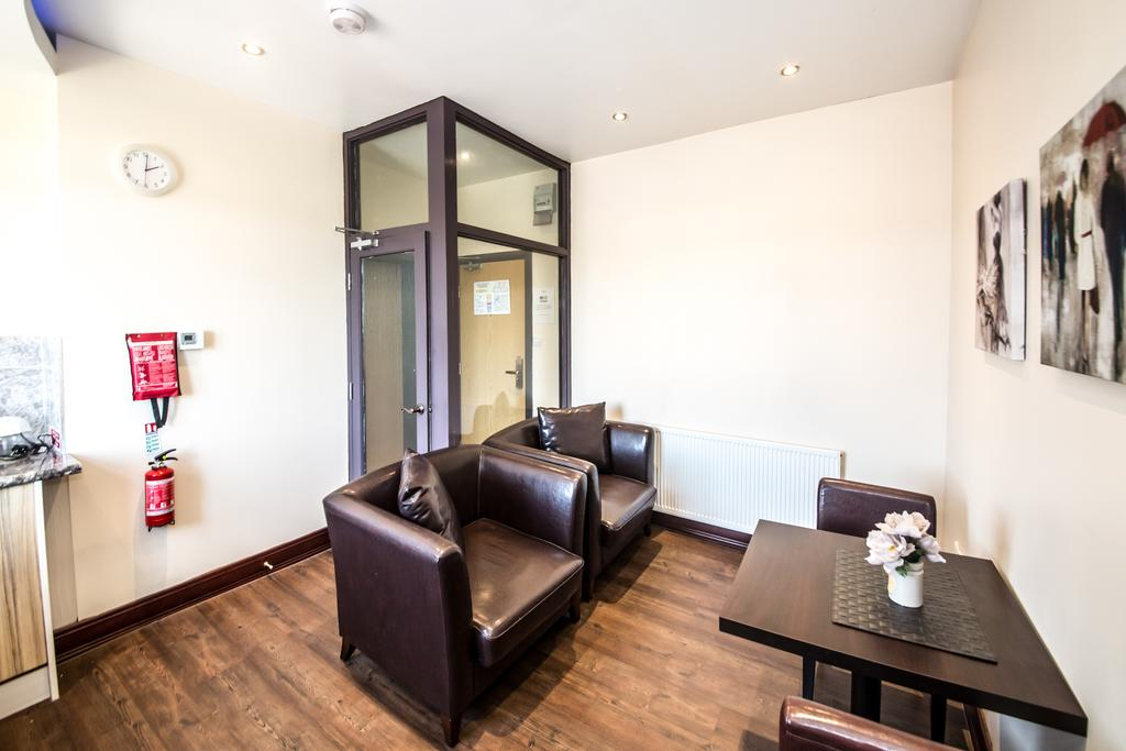 Sheffield Serviced Accommodation - Hillsborough Apartments Near Sheffield Railway Station - Urban Stay 16