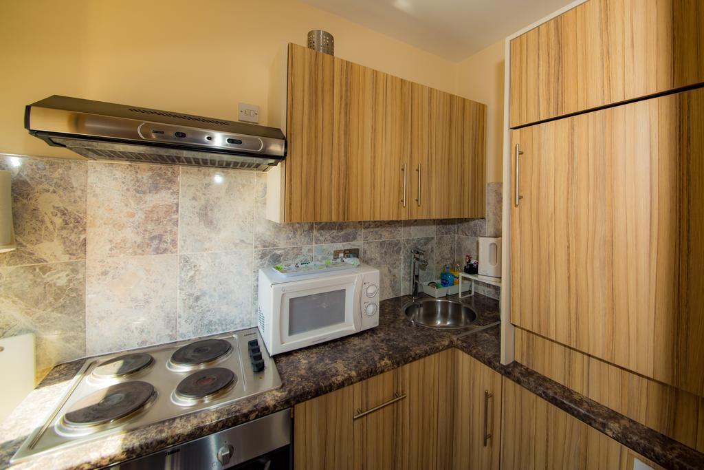 Sheffield-Serviced-Accommodation---Hillsborough-Apartments-Near-Sheffield-Railway-Station---Urban-Stay-3