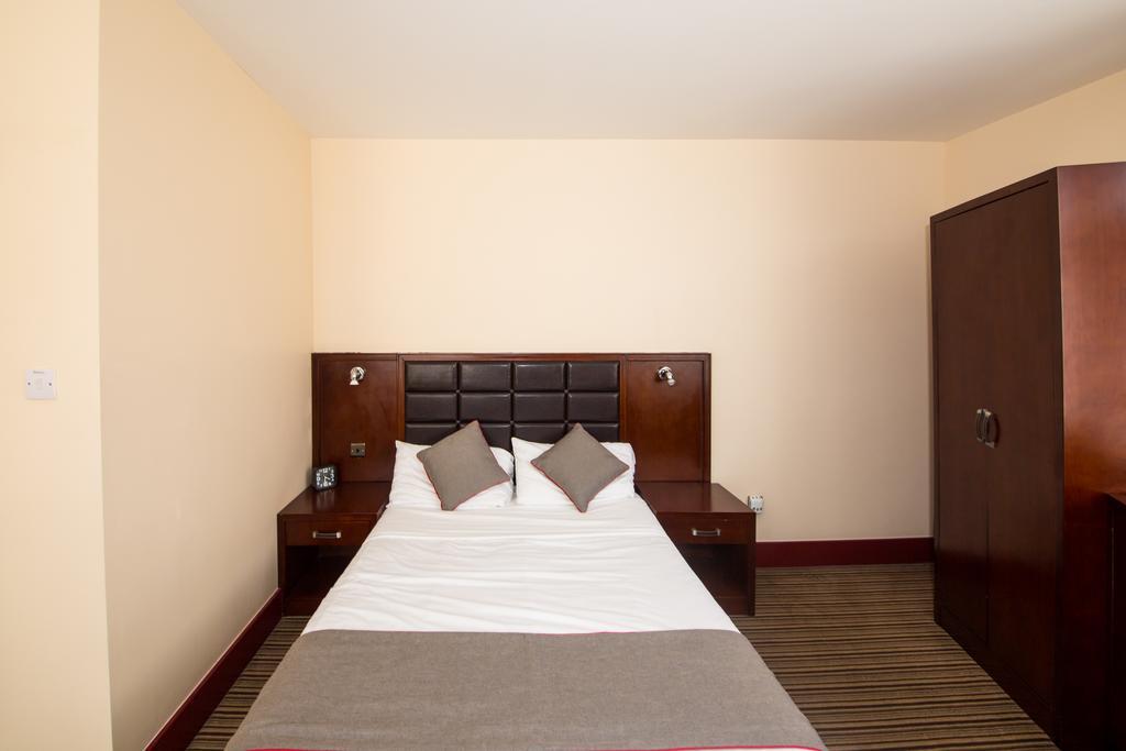 Sheffield-Serviced-Accommodation---Hillsborough-Apartments-Near-Sheffield-Railway-Station---Urban-Stay-6