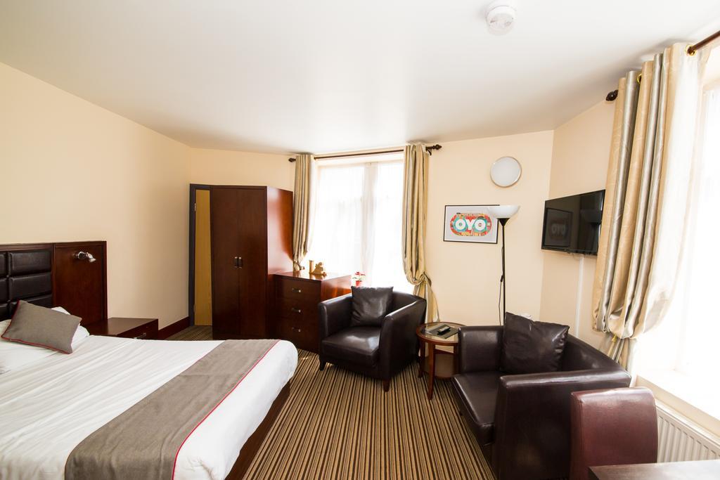 Sheffield-Serviced-Accommodation---Hillsborough-Apartments-Near-Sheffield-Railway-Station---Urban-Stay-9