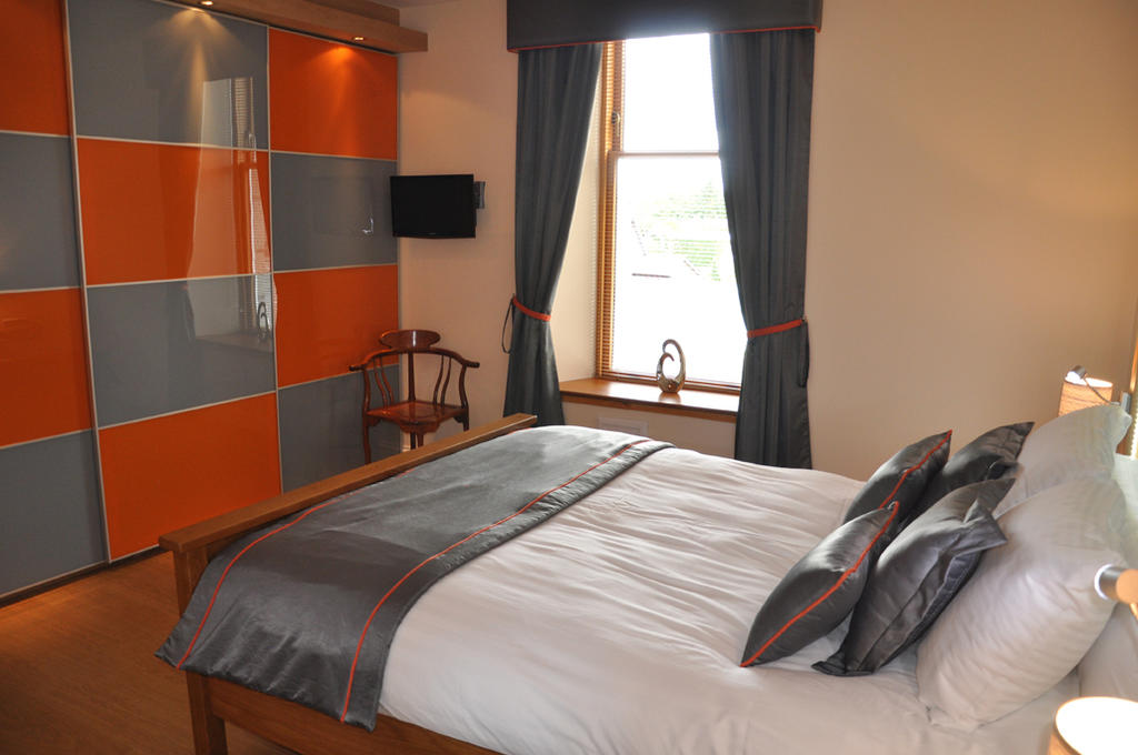Short-let-Accommodation-Aberdeen---Bieldside-Apartments-Near-Aberdeen-Harbour---Urban-Stay-8