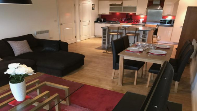 Solihull-Serviced-Apartments---Solihull-centre-apartments-Near-Solihull-Central-Library---Urban-Stay-1