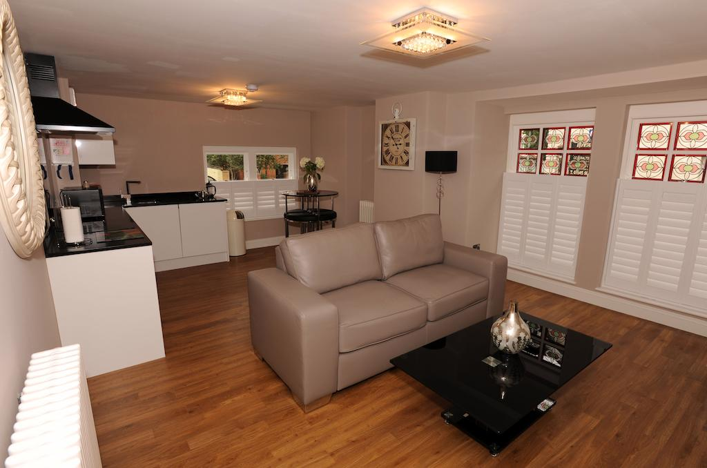 Southend-on-Sea Serviced Apartments - Alexandra Road Apartments Near The Odeon Cinema - Urban Stay 10
