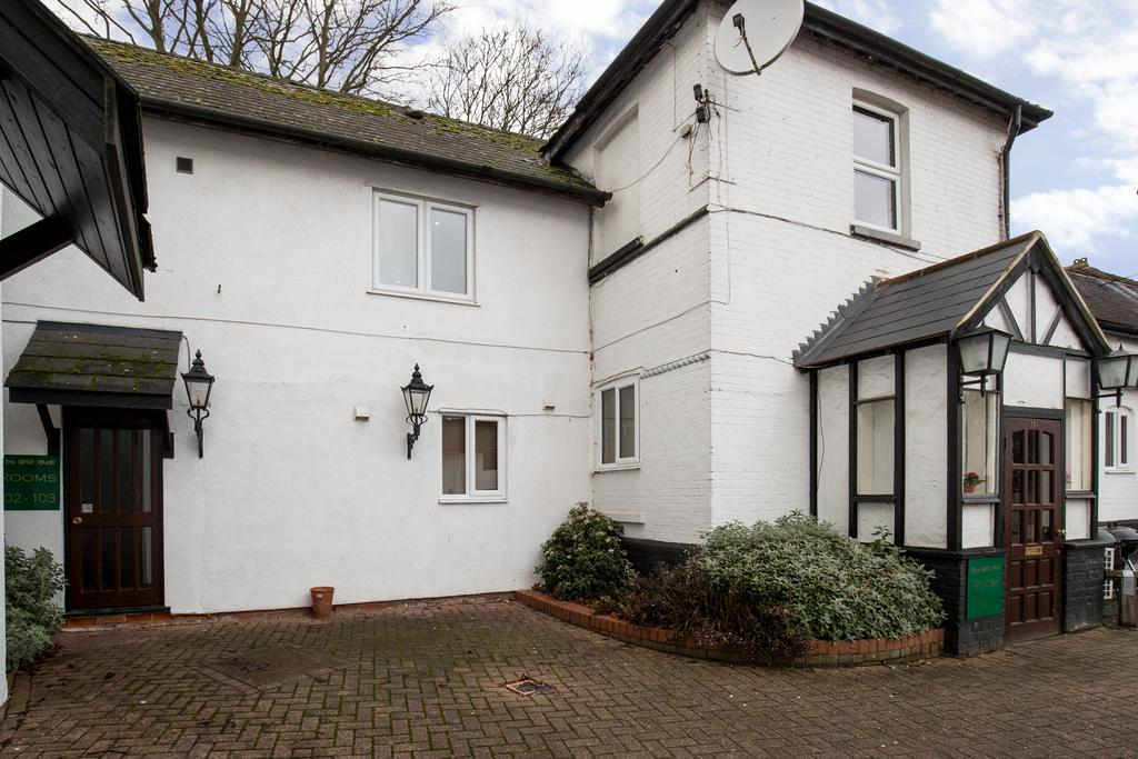 Stansted-Mountfitchet-Serviced-Apartments---Pines-Hill-Apartments---Urban-Stay-10