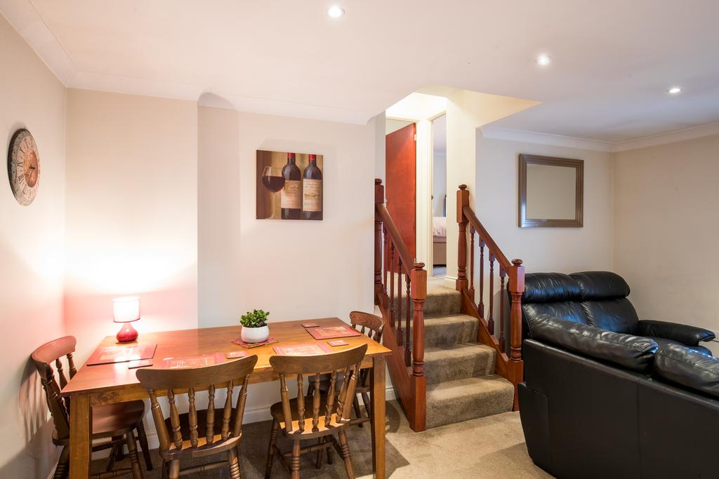 Stansted-Mountfitchet-Serviced-Apartments---Pines-Hill-Apartments---Urban-Stay-7